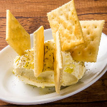 Cream cheese with crackers