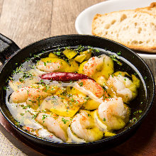 Shrimp al ajillo with baguette