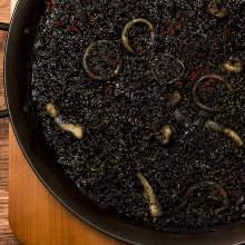 Squid ink paella