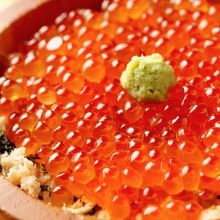 """Oyako"" salmon roe and Japanese salmon rice bowl"