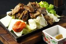 Grilled chicken pieces