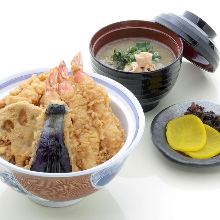 Tempura rice bowl (with clear broth soup and pickles)