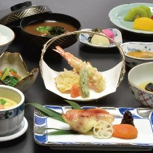 4,290 JPY Course (9 Items)