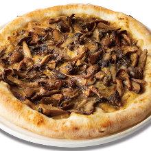 Creamy porcini and mushroom pizza