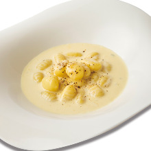 Gnocchi with gorgonzola sauce