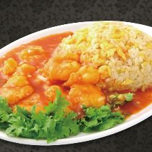 Fried rice with stir-fried shrimp in chili sauce