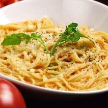 Creamy crab tomato pasta
