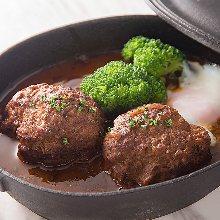 Stewed hamburg steak