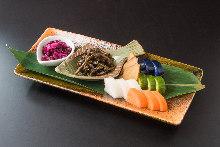 Assorted iburi gakko (smoked daikon pickles)