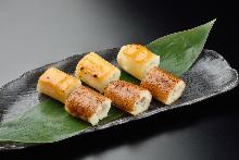 Assorted grilled kiritanpo (grilled rice paste dumplings), 2 kinds