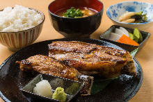 Salted and grilled extra-fatty tuna subprimal set meal