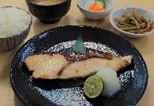 Salted and grilled fish