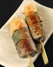 Grilled wheat gluten skewer