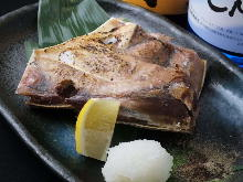 Grilled tuna collar meat