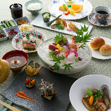 8,250 JPY Course (11  Items)