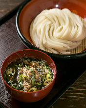 Chilled udon with meat