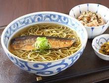 Tea-flavored buckwheat noodles