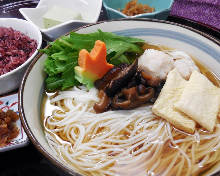 Somen (Wheat noodles) in hot broth