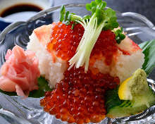 Crab and salmon roe (sushi)