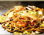 Mixed yakisoba noodles