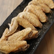 Salted and grilled chicken wing tips