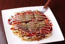 広島流 お好み焼き 肉・玉子・そば・イカ天・ネギかけ