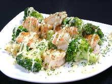 Stir-fried shrimp and broccoli with mayonnaise