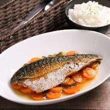Marinated fried fish in vinegar sauce (Nanban-zuke)