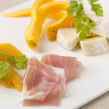 Assorted cheese and prosciutto