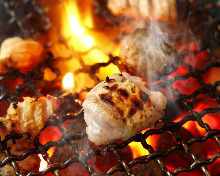 Grilled pieces of stuffed intestine