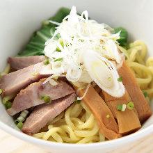 Oiled ramen noodles