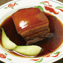 Simmered cubed meat