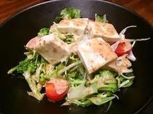 豆腐とカリカリじゃこの胡麻サラダ