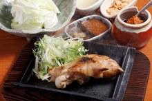 Tonsoku (pig's trotters)
