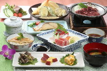 2,500 JPY Course (8 Items)