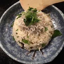 Boiled whitebait rice bowl