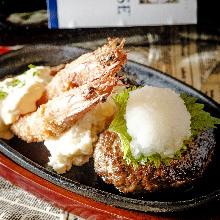 Hamburg steak and deep-fried breaded prawn