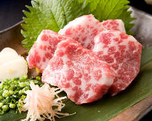Fatty horse meat sashimi