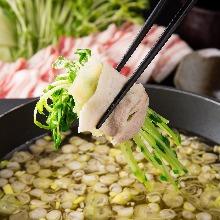 Grated daikon radish hotpot