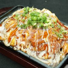 Tonpei-yaki(stirfried cabbage and meat topped with egg)
