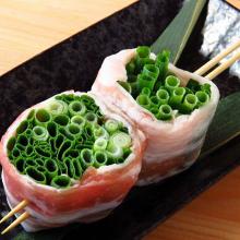 Pork rib Negima (green onion pieces and pork ribs)