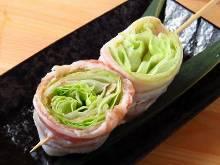 Pork lettuce rolls