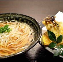 Udon with seasonal vegetable tempura