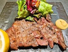 Beef tongue seasoned with salt