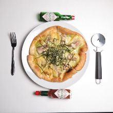 Wasabi-mayonnaise pizza