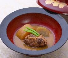 Stewed Kurobuta pork cartilage