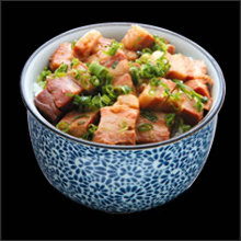Simmered cubed meat rice bowl