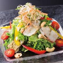 真鯛昆布〆 サラダ仕立て
