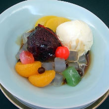 Cream anmitsu (agar gelatin with fruits, sweet red bean paste, and whipped cream)