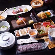 8,640 JPY Course (11 Items)